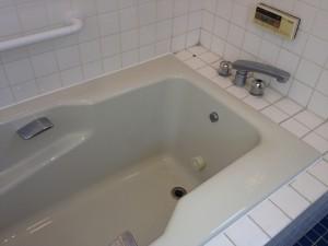 浴槽 001